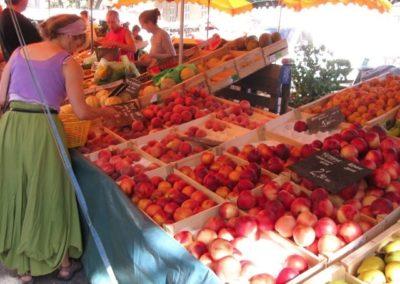 Buying Peaches